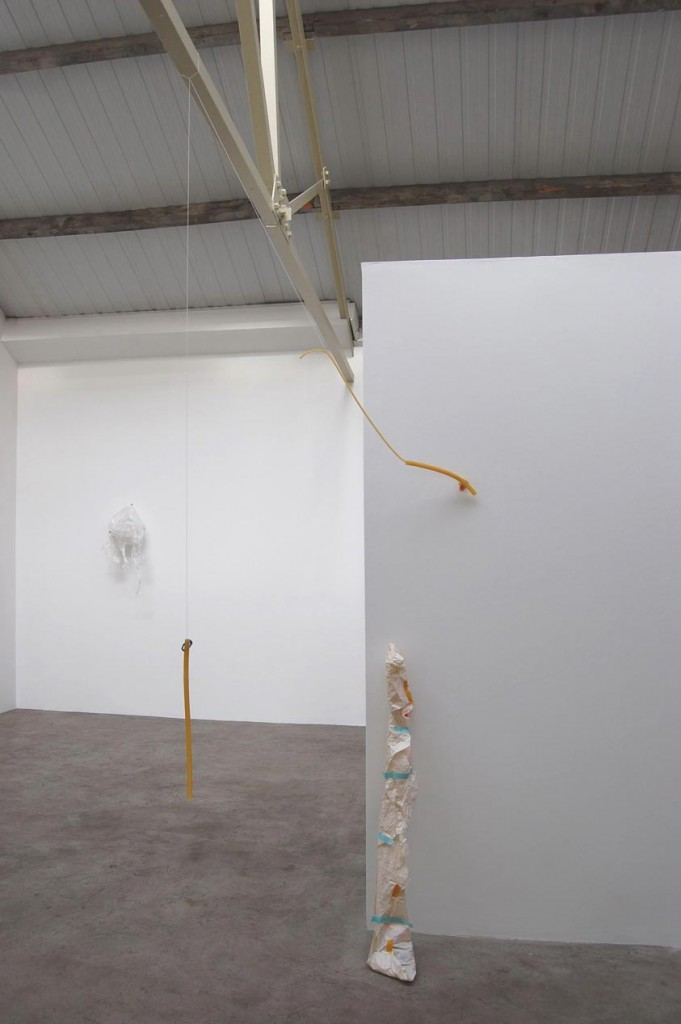 4_Margaret-H_Blondal_Sieves_Installation-view_copyright-the-artist-and-mothers-tankstation
