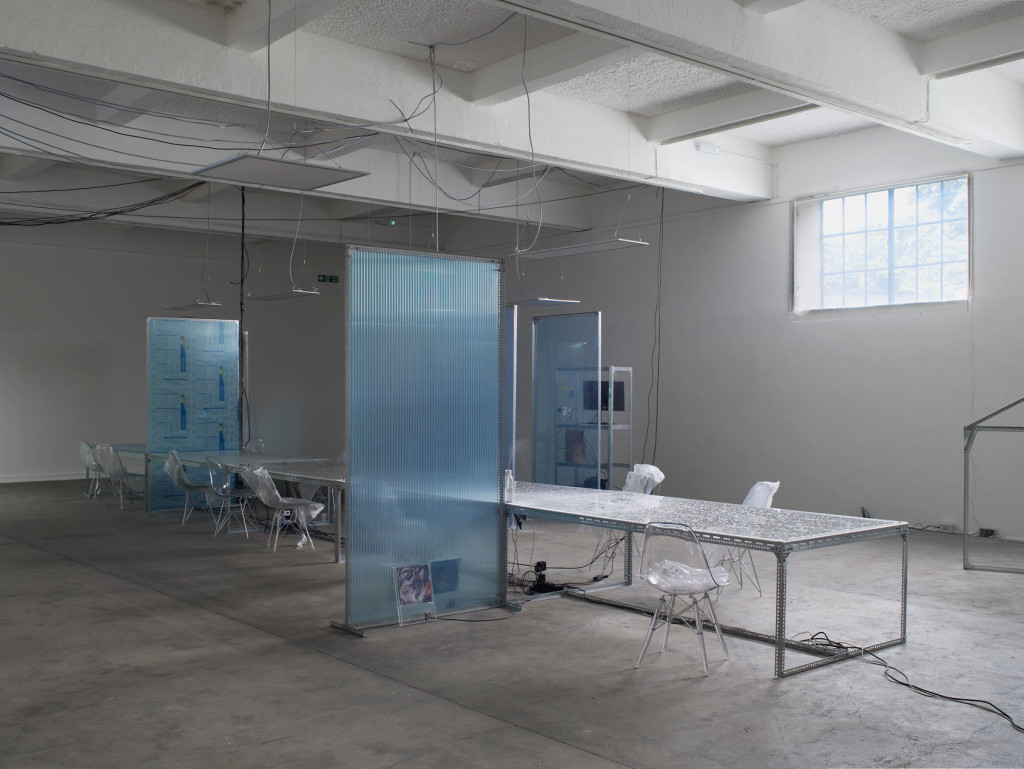 3.-YP_user,space_communal-table-for-user,-space-2_lights-off_Copyright-the-artist-and-mother's-tankstation