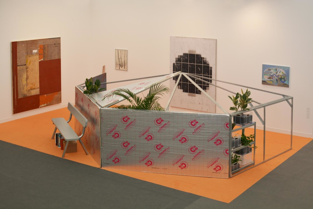 mothers-tankstation-limited_frieze-london-2016_installation-view_copyright-mothers-tankstation-limited