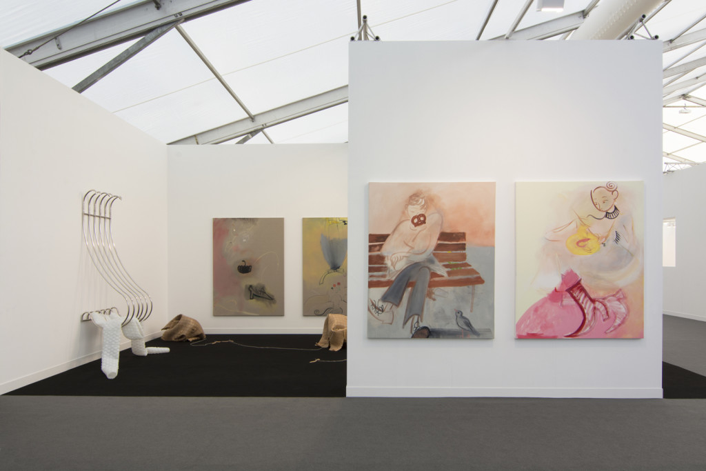 2. Frieze London 2017_Installation booth view from front_Pretzel & Prawn