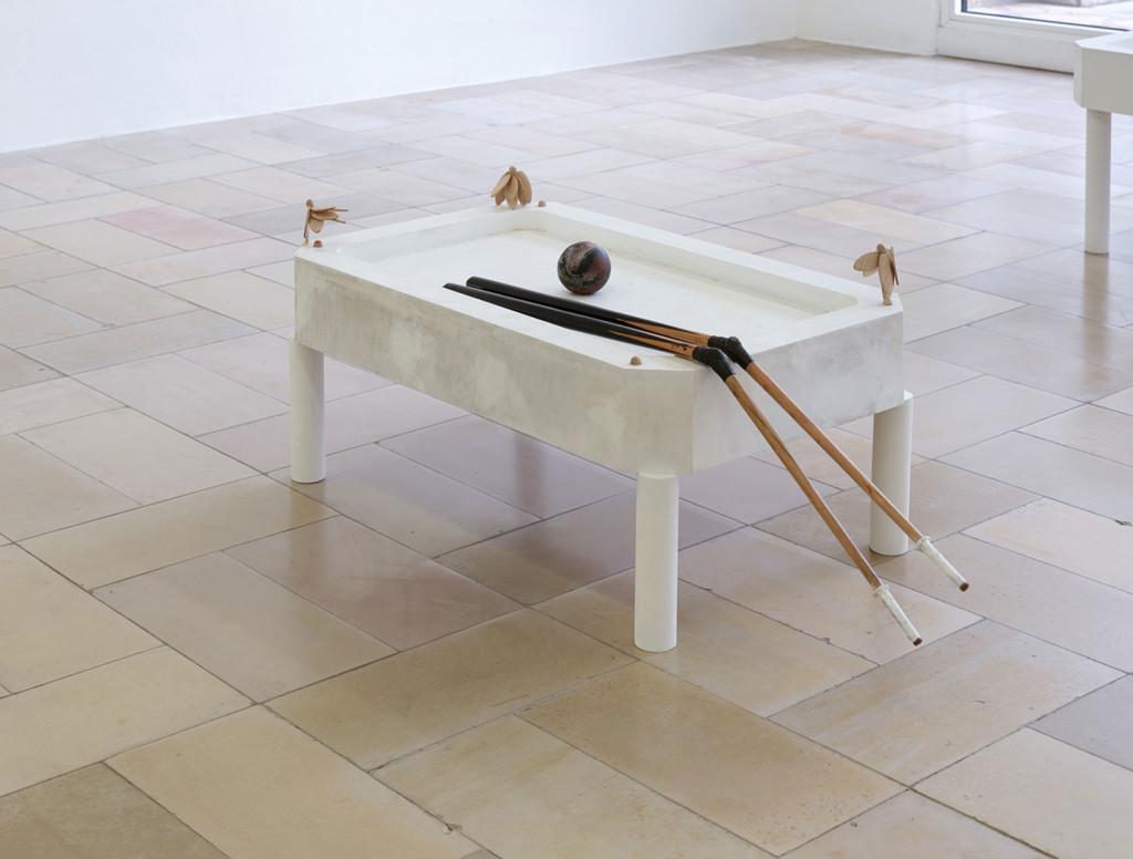 11.-Sam-Anderson_Big-Bird_Kölnischer-Kunstverein_Installation-view_Liz_Copyright-the-artist-and-mother's-tankstation-Dublin_London