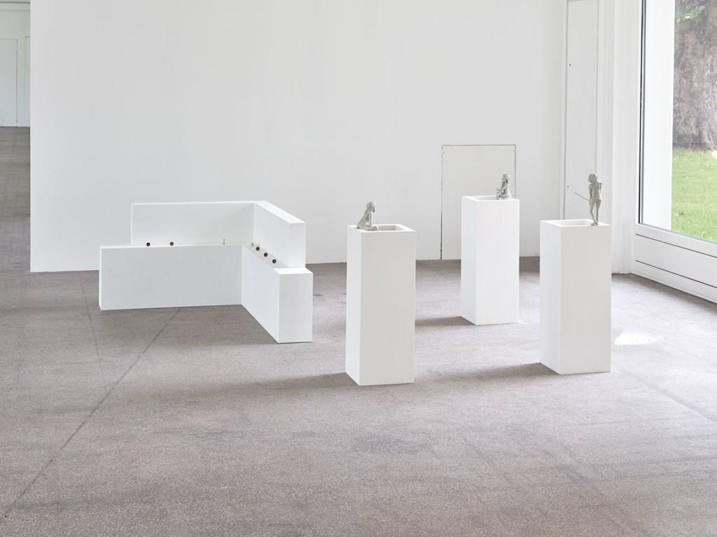 3.-Sam-Anderson_Big-Bird_Kölnischer-Kunstverein_Installation-view_Arrangement,-Eyai-Fishing-#1,-#4,-#3_Copyright-the-artist-and-mother's-tankstation-Dublin_London-