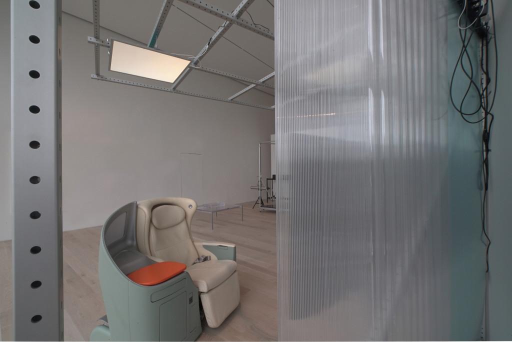 8.-Yuri-Pattison_The-Everywhere-Studio_intermodalism-study-(working-title)_-Installation-view-JAL-Seat_Copyright-the-artist-and-mother's-tankstation-Dublin_London