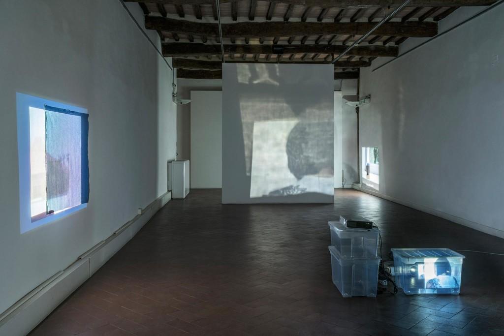 3.-Lee-Kit_Linger-on,-your-lit-up-shade_Installation-view_Casa-Masaccio-Centro-per-l'Arte-Contemporanea