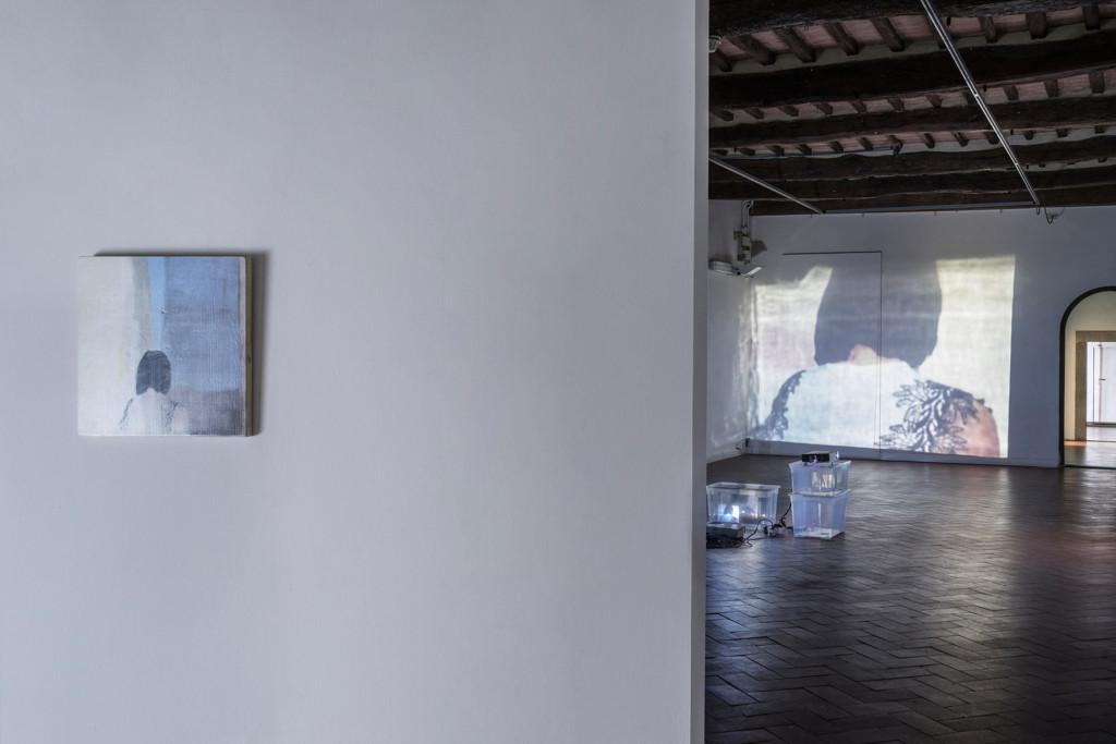 6.-Lee-Kit_Linger-on,-your-lit-up-shade_Installation-view_Casa-Masaccio-Centro-per-l'Arte-Contemporanea