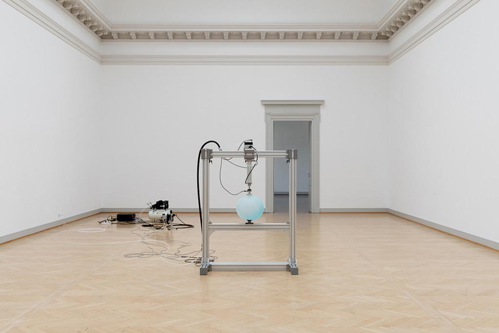 9.-Nina-Canell_Reflexologies_St-Gallen_Reflexologies_Installation-view_Sebastian-Stadler