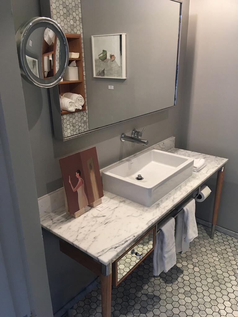 7.-Felix-LA-2020_Installation-view_Bathroom_Prudence-Flint,-Noel-McKenna_Copyright-the-artist-and-mother's-tankstation-limited