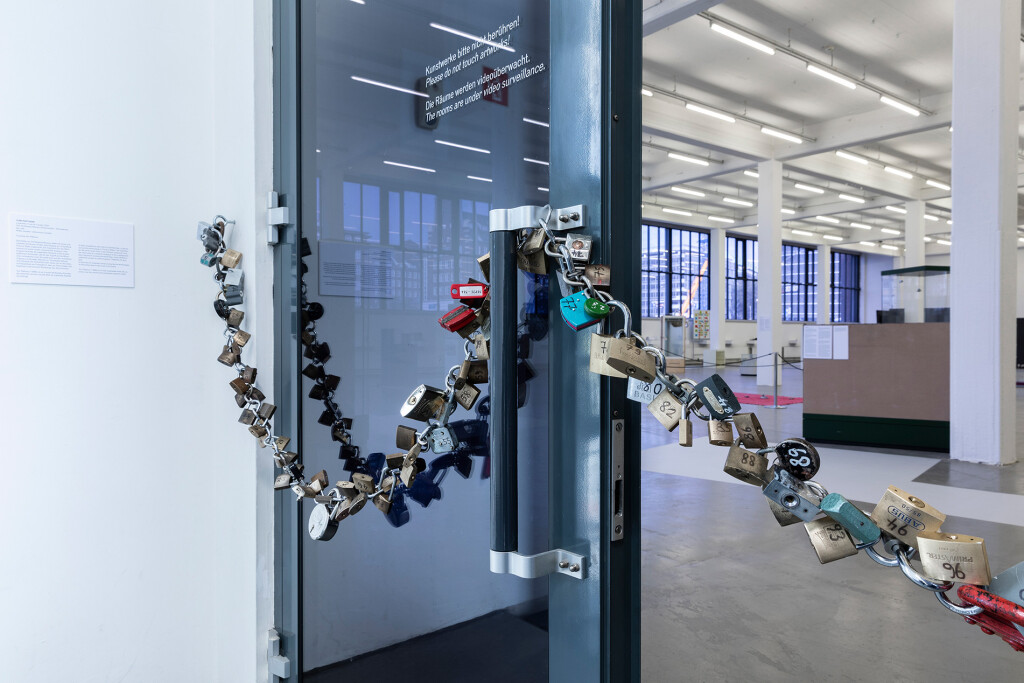 2.-YP_Lockchain-(1-out-of-n-locks)_Proof-of-stake,-Kunstverein-Hamburg_Installation-view_Copyright-the-artist-and-mother's-tankstation-limited