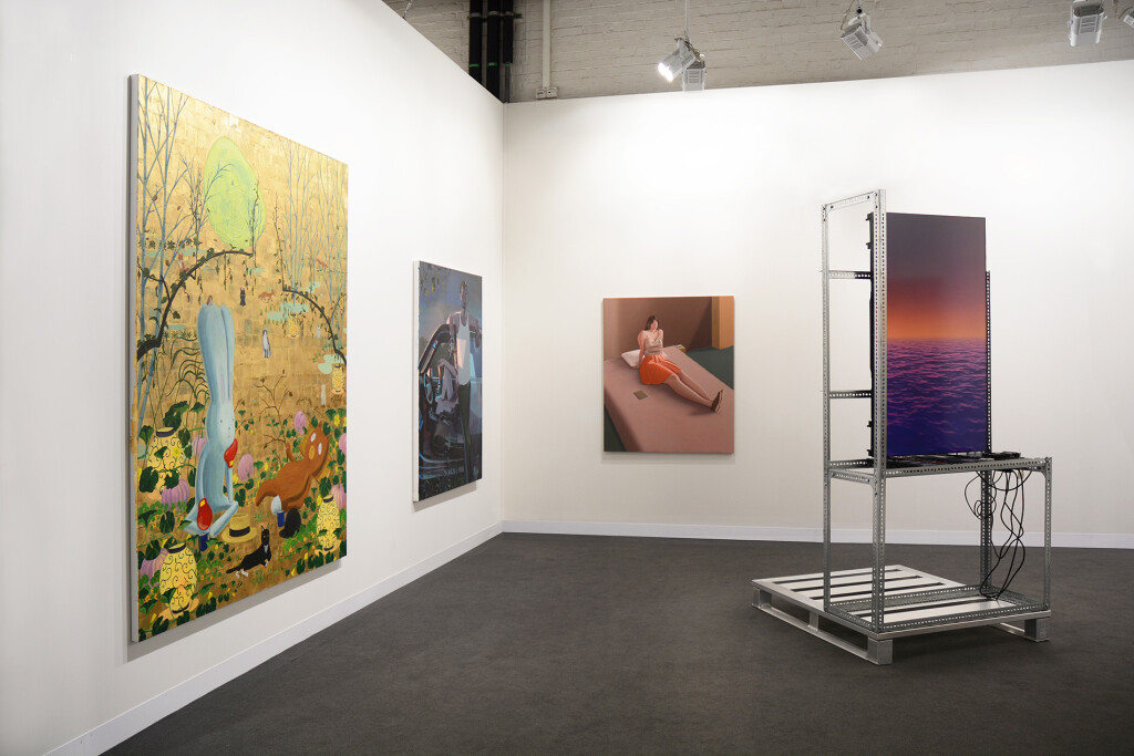 2.-Art-Basel-2021_Galleries_mother's-tankstation_Booth-installation-view_Copyright-the-artist-and-mother's-tankstation-limited