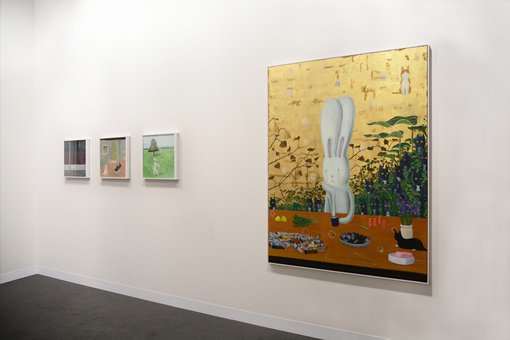5.-Art-Basel-2021_Galleries_mother's-tankstation_Booth-installation-view_Copyright-the-artist-and-mother's-tankstation-limited